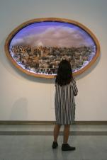 Detalle formato PAISAJE URBANO 2012. Collage tridimensional de fotografías. Caja de luz 2 metros de largo x 130 de alto x 30 cm de volumen aprox.